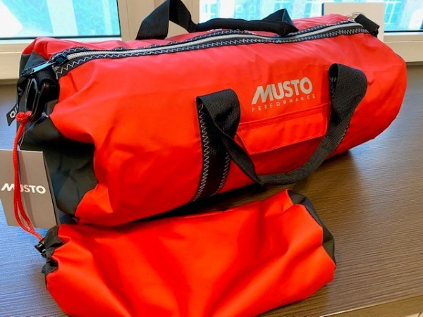 Tasche Carry All red 28 L Musto